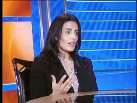 الكاتبة الكويتية الدكتورة ابتهال الخطيب في حديث الخليج