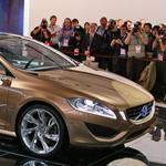 Volvo S60 – 2013  الجديدة المعدلة تشارك في سباق السيارات