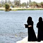 وادي حنيفة بالصور.. من مكب نفايات إلى واحة غنّاء