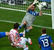 ايطاليا قلقة على مصيرها في المجموعة الثالثة