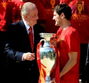 بالصور.. استقبال أسطوري وملكي لأبطال أوروبا في العاصمة الإسبانية مدريد