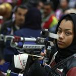 راية قطر في أيدي ناعمة بلندن