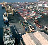 موانئ دبي العالمية تشرع في بناء أكبر محطة حاويات في أوروبا