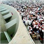 حجاج بيت الله يستقبلون أول أيام التشريق.. والمتعجلون يحزمون الأمتعة لمغادرة مدينة الخيام البيضاء غدا