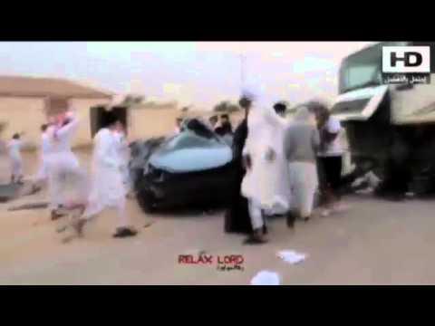 """حادث """"تفحيط"""" مروع ينهي حياة سعودي أمام شاحنة"""