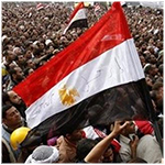 إعلاميون مصريون : الإخوان خلطوا أوراق السياسة بالشعارات الدينية ففشلوا سياسيا وأساءوا للدين