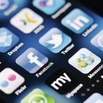 3.7 ملايين مستخدم عربي لـ «تويتر» و 55 مليوناً لـ «فيسبوك»