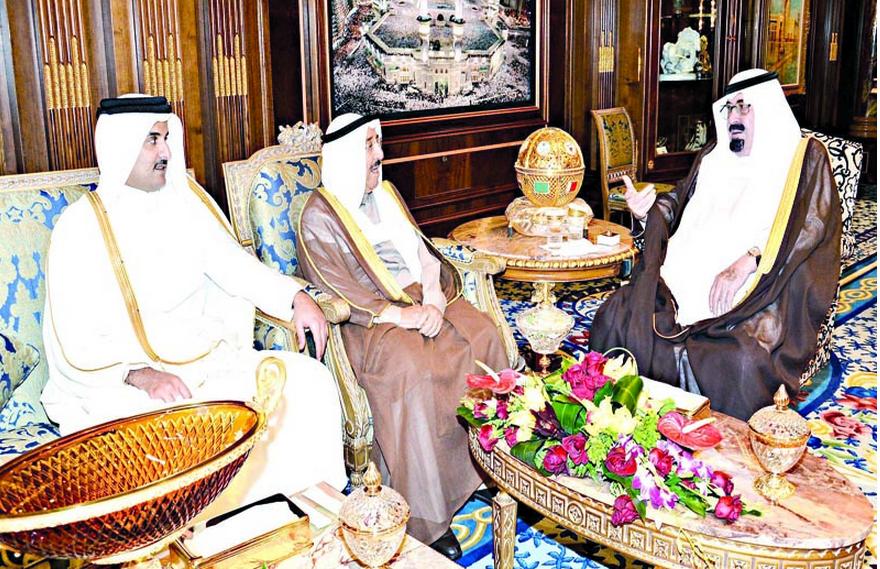 قمة سعودية – كويتية – قطرية مفاجئة لبحث قضايا المنطقة
