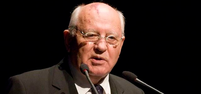 غورباتشوف ينفي إقامته في ألمانيا: أحنّ إلى أيام الاتحاد السوفياتي