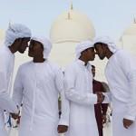 أطباء يطالبون بالتوقف عن «المخاشمة» لتفادي الإصابة بـ «كورونا»