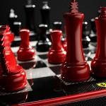 فيراري تطق طقم شطرنج من ألياف الكربون بـ 2000 دولار