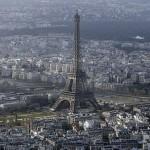 5 طائرات غامضة بدون طيار تحلق في سماء باريس