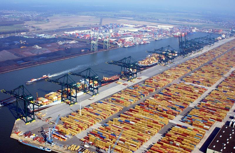 دبي العالمية تستحوذ على محطة حاويات في كندا بـ 457 مليون دولار