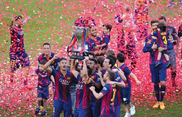 برشلونة… اختلط الفرح بدموع الرحيل