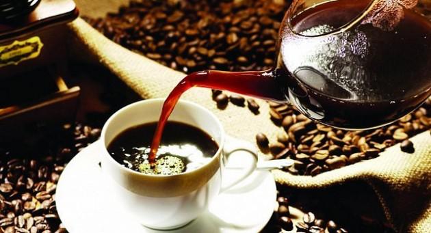 هيئة صحية تنصح بعدم احتساء أكثر من خمسة فناجين قهوة