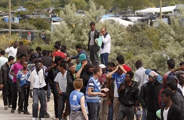 اتفاق أوروبي على إعادة توزيع 40 ألف مهاجر على دول الاتحاد