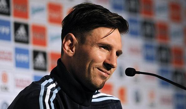 ميسي: الأرجنتين مرشحة كالمعتاد للفوز بالألقاب الكبيرة