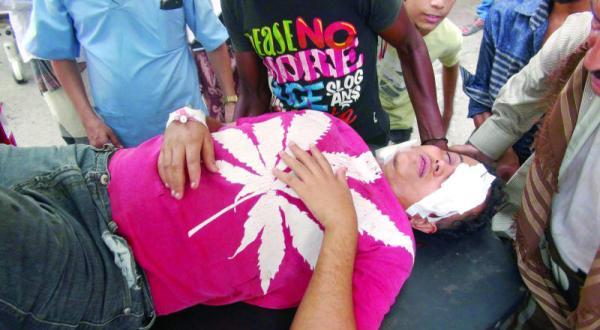 مذبحة حوثية في عدن.. والمقاومة تزحف نحو القصر