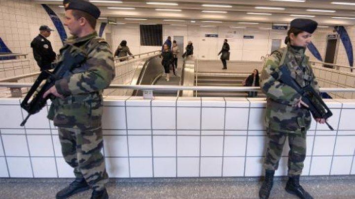 مسلحون يحتجزون موظفين في متجر بالقرب من باريس