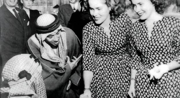 التوأم جاكي وجويس تستعيدان ذكريات السعودية في المأدبة الملكية
