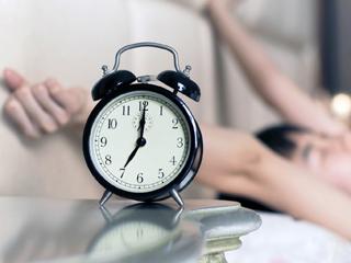 طرق سهلة للاستيقاظ مبكرا قبل أي أحد