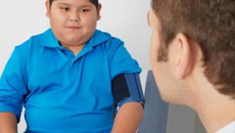 دراسة: زيادة وزن الأطفال عن المعدلات الطبيعية يسبب ارتفاع ضغط الدم