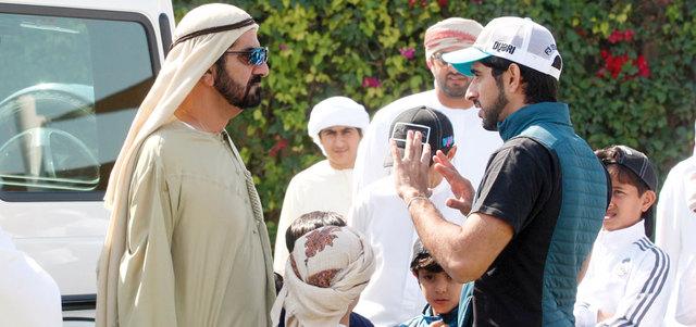محمد بن راشد يشهد سباق الخوانيج للناشئين والشباب للقدرة