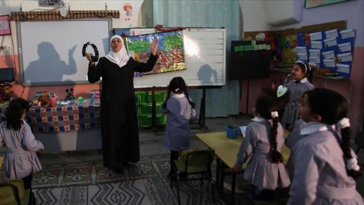 فلسطينية تنافس على لقب أفضل معلم في العالم