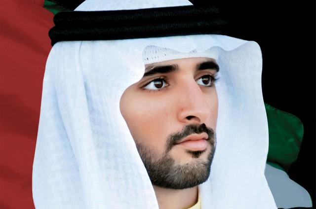 حمدان بن محمد يشهد تخريج الدفعة الـ 16 في كلية راشد بن سعيد البحرية