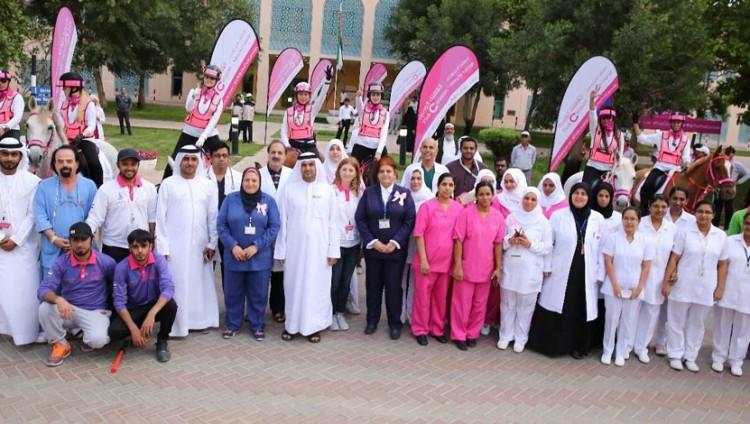 وزارة الخارجية والتعاون الدولي تستقبل القافلة الوردية وتثمن دورها في تعزيز الوعي بسرطان الثدي