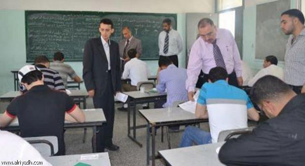 الجزائر تلجأ للتشويش لمنع الغش في امتحانات الثانوية