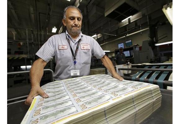 تباطؤ الاقتصادي العالمي يبقي على معدل فائدة الدولار