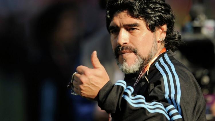 قبل انطلاق الكلاسيكو.. مارادونا يصدم عشاق برشلونة ويدعم زيدان