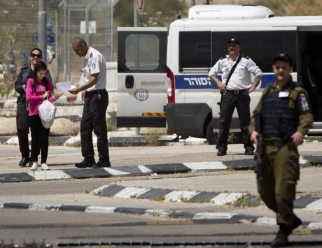 الاحتلال ومستوطنوه يعربدون في الأقصى وعبوات على مواقع عسكرية