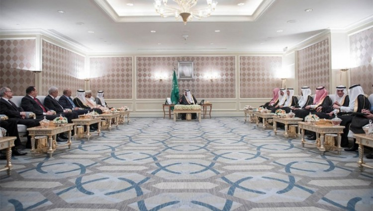 خادم الحرمين يستقبل السفراء العرب المعتمدين في مصر
