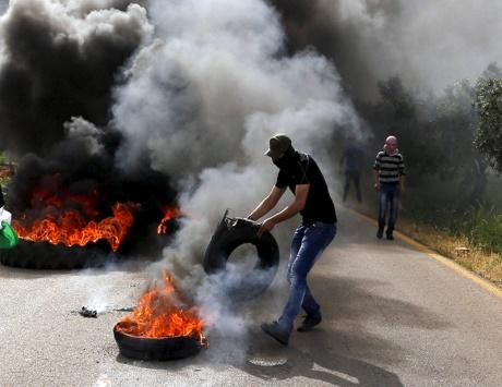 الاحتلال يهدم مساكن ومنشآت بتمويل أوروبي ويعتقل 19 فلسطينياً