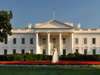 للمرة الثانية في يومين..إغلاق البيت الأبيض بسبب حادث أمني