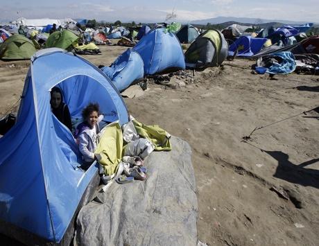 النمسا تشدد إجراءات اللجوء والسويد تقلص توقعاتها لطالبيه