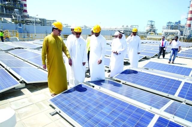 دبي تدشن مشروعاً رائداً لإنتاج الكهرباء من الشمس
