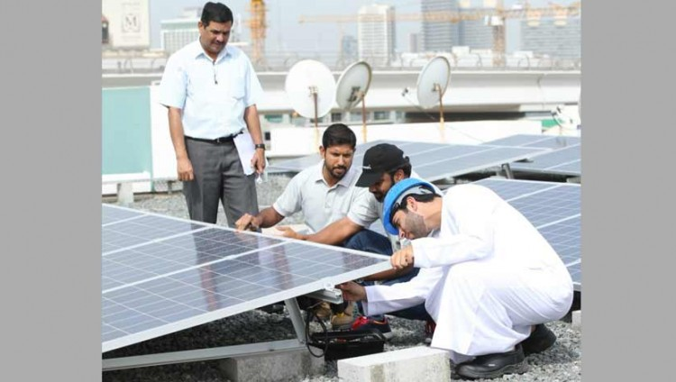 «ديوا» تنجز تركيب 30 نظام طاقة ضمن «شمس دبي»