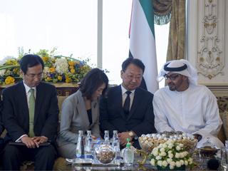 محمد بن زايد يستقبل نائب رئيس الوزراء الكوري