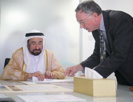 سلطان يزور إدارة متاحف الشارقة ويطلع على مشروعاتها المستقبلية