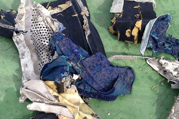 مفاجأة جديدة في حادث سقوط الطائرة المصرية