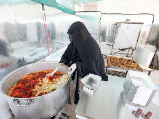 597 امرأة في 121 موقعاً يعددن «إفطار صائم»