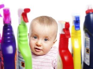 إذا ابتلع طفلك «المنظفات».. ماذا تفعل ؟