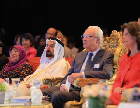 سلطان وقرينته يطالبان بتشريعات عالمية تحمي حقوق الأطفال