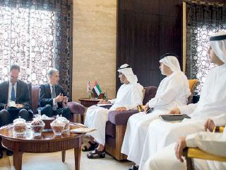 محمد بن زايد يبحث مع وزير الخارجية البريطاني العلاقات الثنائية