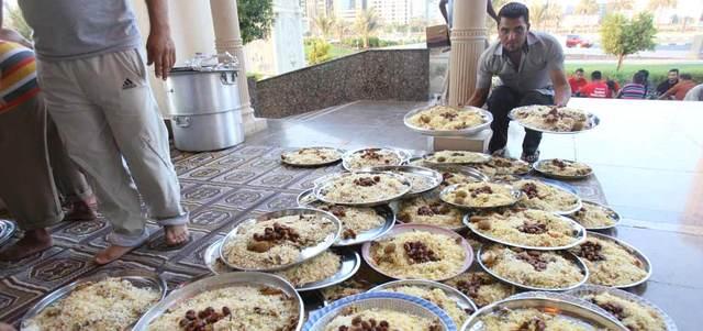 تنفذه «خليفة الإنسانية» بأيادٍ إماراتية 100%  : مشروع إفطار الصائم.. توطين في عمل الخير