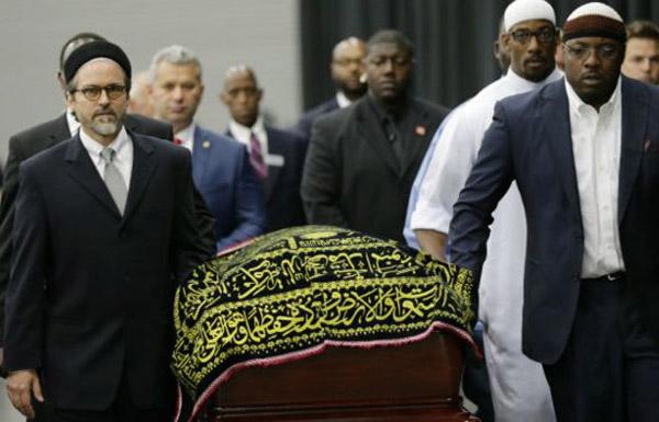 العالم يودع الأسطورة محمد علي إلى مثواه الأخير