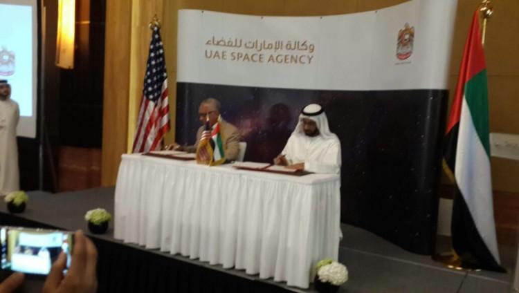 """توقيع مذكرة تفاهم بين وكالة الإمارات للفضاء و""""ناسا"""""""